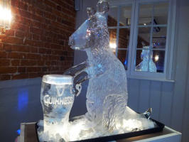 GUINESSAROO KANGA WITH PINT OF GUINNESS ICE SCULPTURE